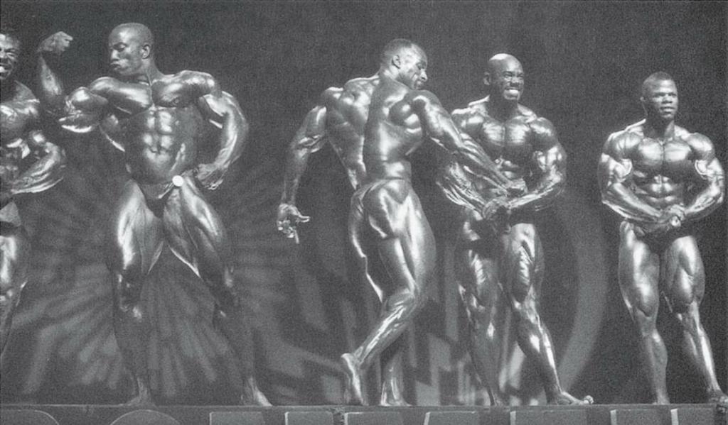 90年代的参赛者,体形都很大。