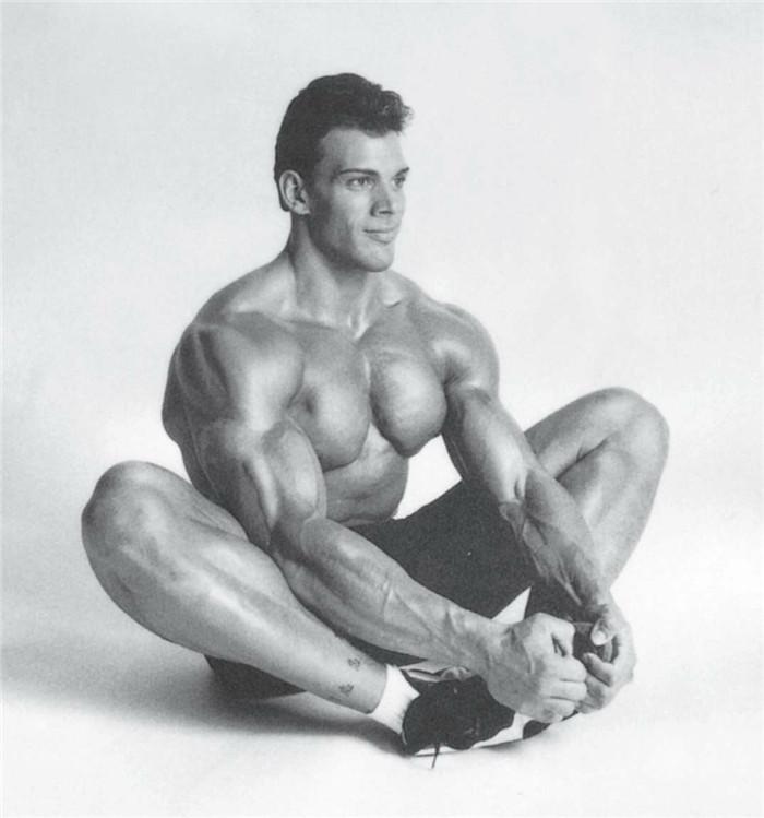 大腿内侧拉伸练习