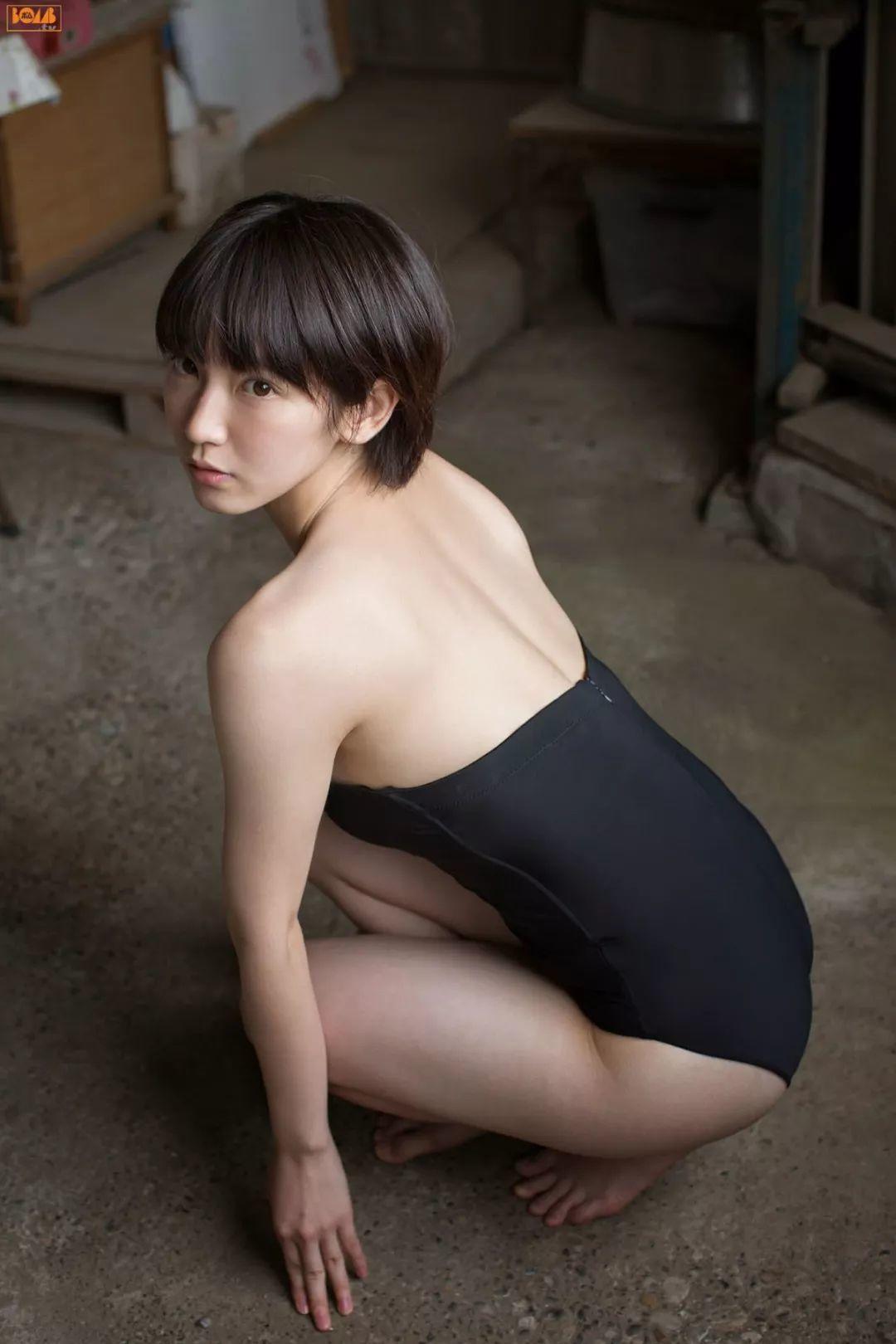 吉冈里帆写真
