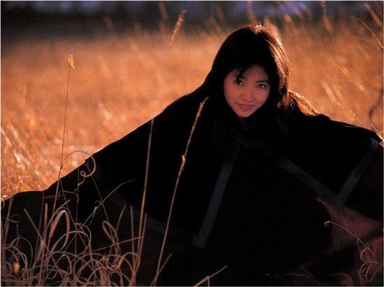 荻野目慶子 写真