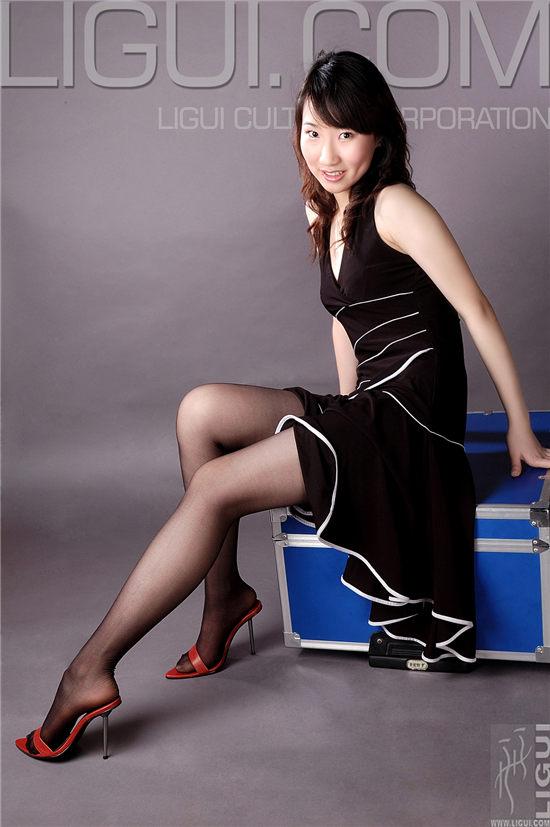 蕊蕊新模特出镜