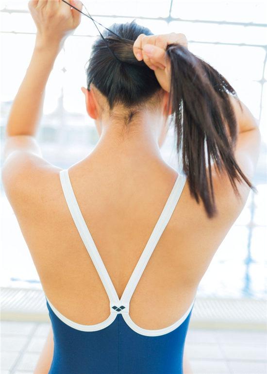 冈户雅树摄影写真集《黒髪女子·Kurokami Joshi》