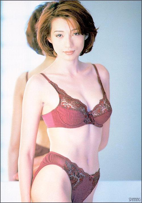 温翠苹 泳衣写真