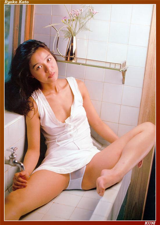 加藤陵子 Ryoko Kato