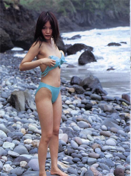 秋吉里香写真集 《Accidents TOKYO リカ & シノヤマキシン》
