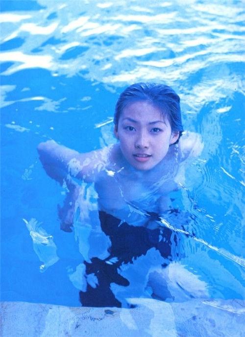 井上薰《かおる 17歳》写真