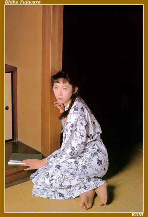 藤原史歩 Shiho Fujiwara