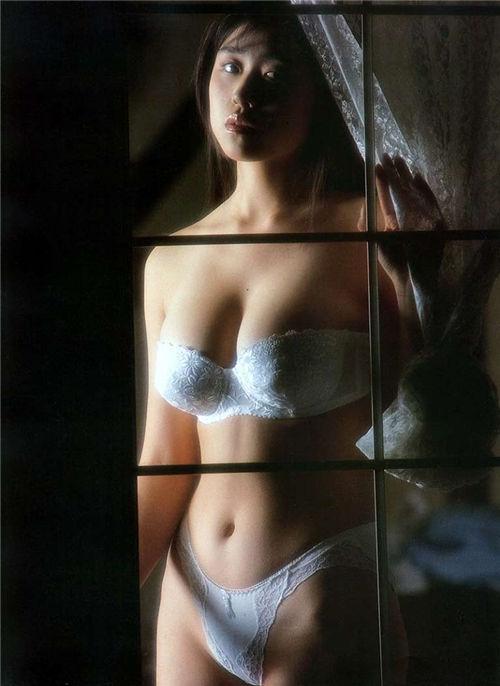 日本80年代怀旧电影女演员