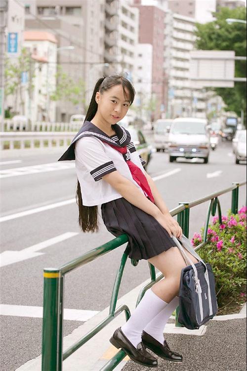 小林万桜 制服日和