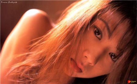 栗林知美 Tomomi Kuribayashi