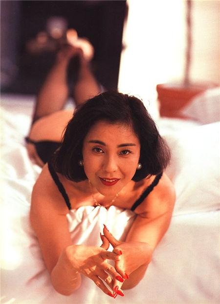 佳那晃子 Akiko Kana