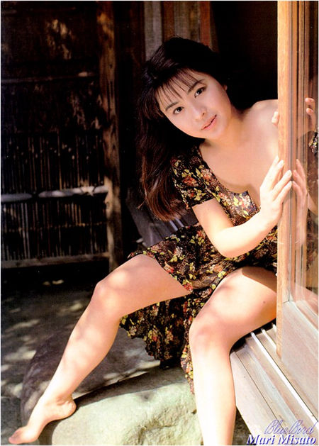 美里真理 Mari Misato